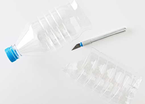 DIY-macetas-con-botellas-de-plastico-decoratrix-paso-2.jpg.pagespeed.ce.kRQ9Jvf3yP