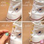 ¡Recicla tus viejas zapatillas blancas y renovalas con tachas doradas!
