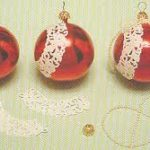 Ya llega la navidad: Bolas para el árbol navideño renovados con blondas