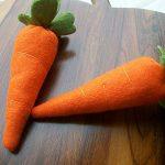 Zanahorias realizadas con fieltro para decorar nuestra cocina: paso a paso