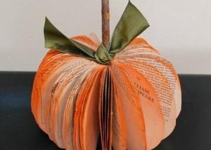 Calabaza de Halloween con Libros o Revistas, Manualidades Faciles Paso a Paso1
