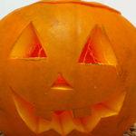 ¿Cómo hacer una calabaza luminosa para el día de Halloween?