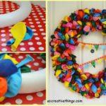 ¿Cómo hacer una corona de puerta con globos para cumpleaños?