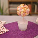 Centros de mesa con golosinas para decorar las mesas en una fiesta