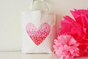 manualidades-bolso-con-corazon-para-san-valentin