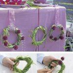 Decoración de mesas con coronas de junco y flores: paso a paso