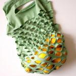 Alegra tu cocina y recicla una remera que ya no uses y convertila en un bolso práctico