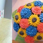 Cómo hacer centros de mesa utilizando los cupcakes decorados para adornar eventos