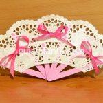 Abanico realizado con palitos de helado y blondas: ideal para souvenirs