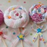 ¿Cómo hacer chupetines para decorar una Baby shower con toallas de mano?