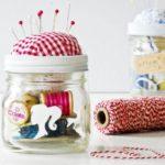 ¿Cómo hacer un original costurero con frasco de vidrio?