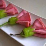 ¿Cómo decorar los platos para una mesa muy especial?
