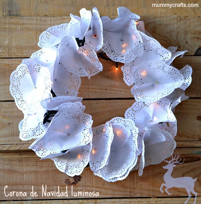 Como hacer coronas navide as luminosas con blondas como - Coronas navidenas faciles ...